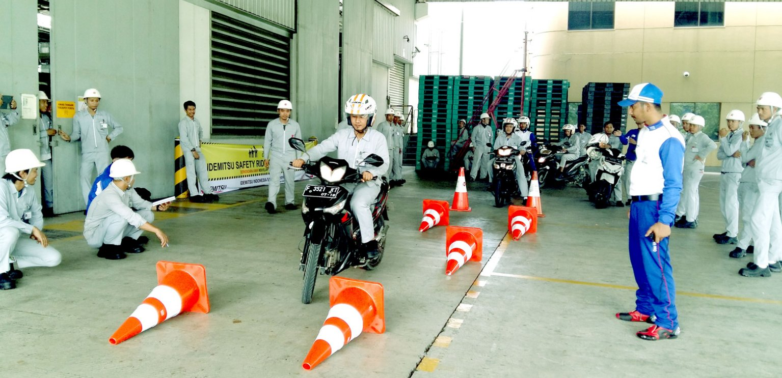 PT. Idemitsu Lube Techno Indonesia & PT. Idemitsu Lube Indonesia Conducted  Safety Riding Campaign With PT. Astra Honda Motor